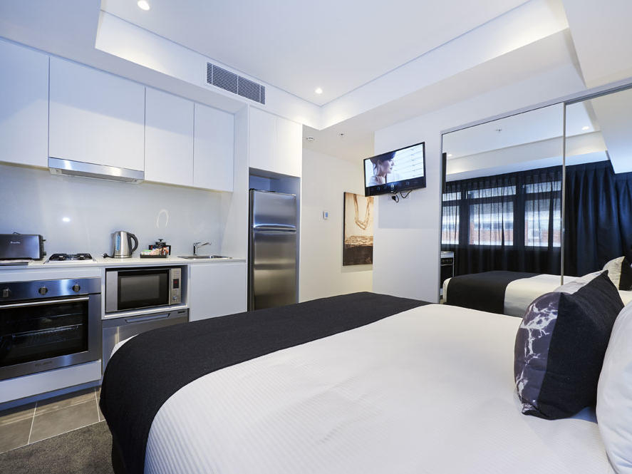 Hotel Room at  Silkari Suites Chatswood