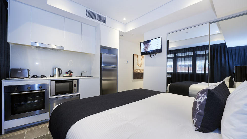 Hotel Room at  Silkari Suites Chatswood