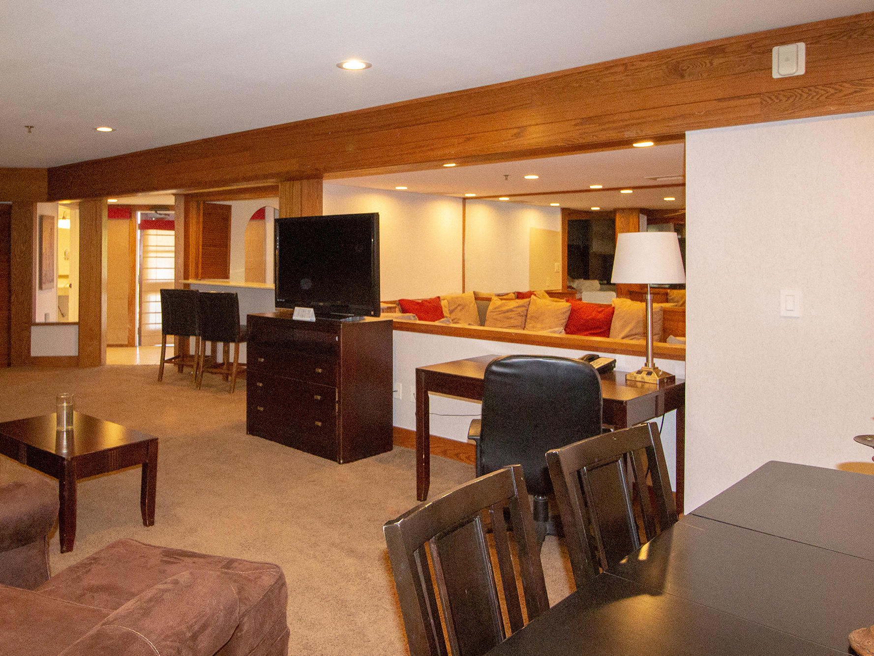 living and entertainment suite in carlsbad ca hotel