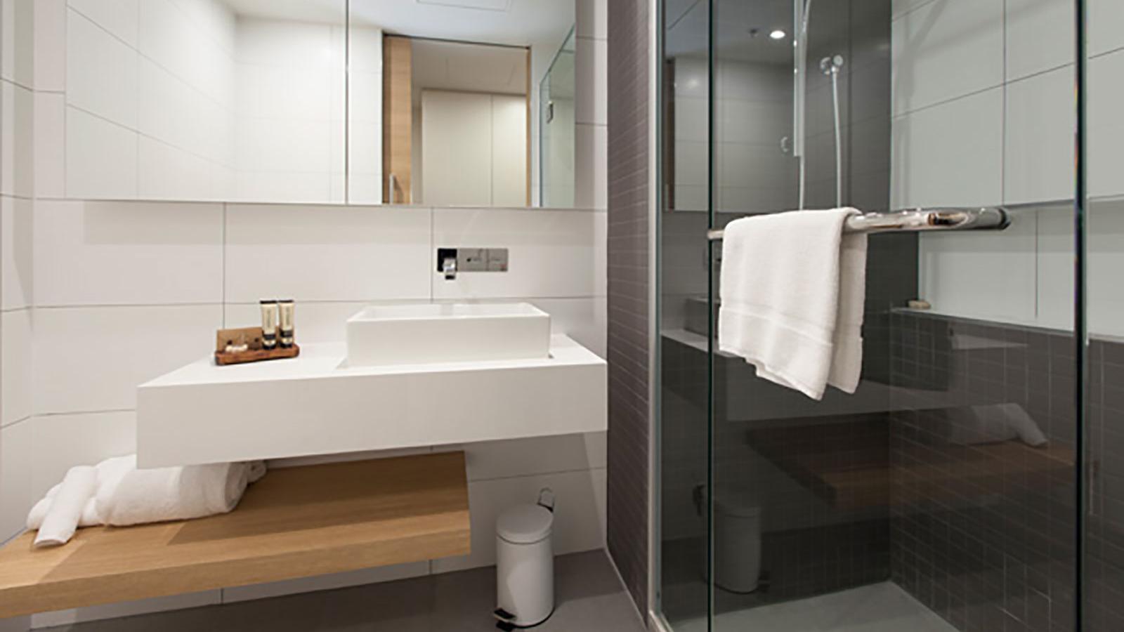 Bathroom of Courtyard View Room at Jasper Hotel Melbourne