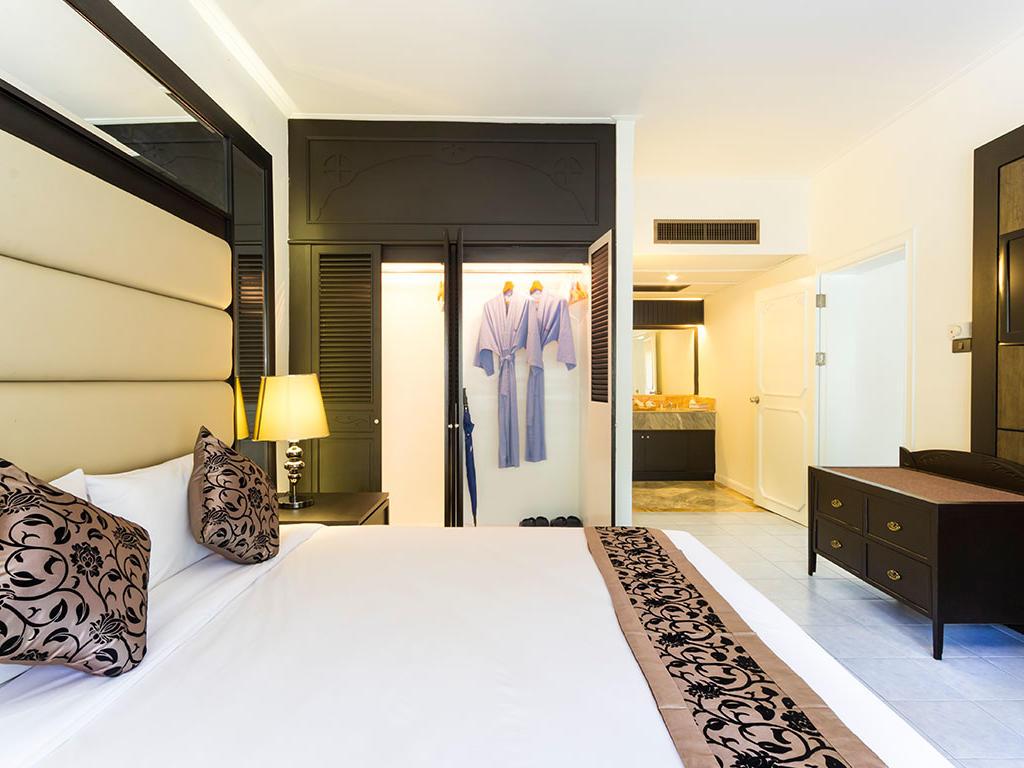 Casuarina Suite at Amora Hotel