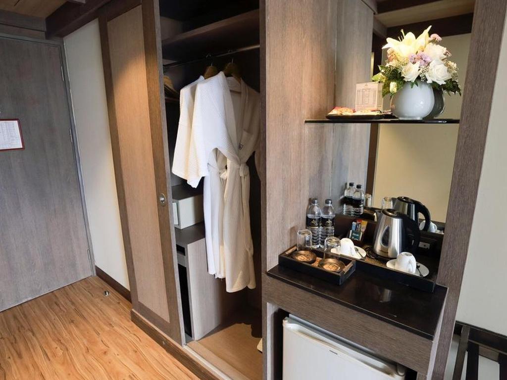 Deluxe Premier Room at Amora Hotel