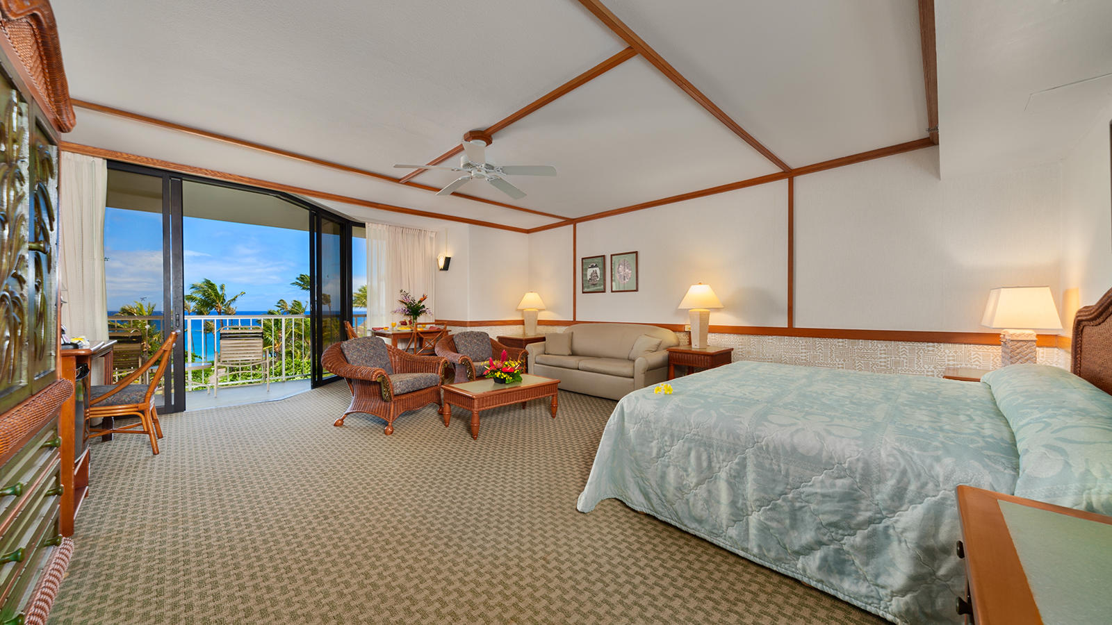 Kaanapali Beach Hotel Junior Ocean View Suite