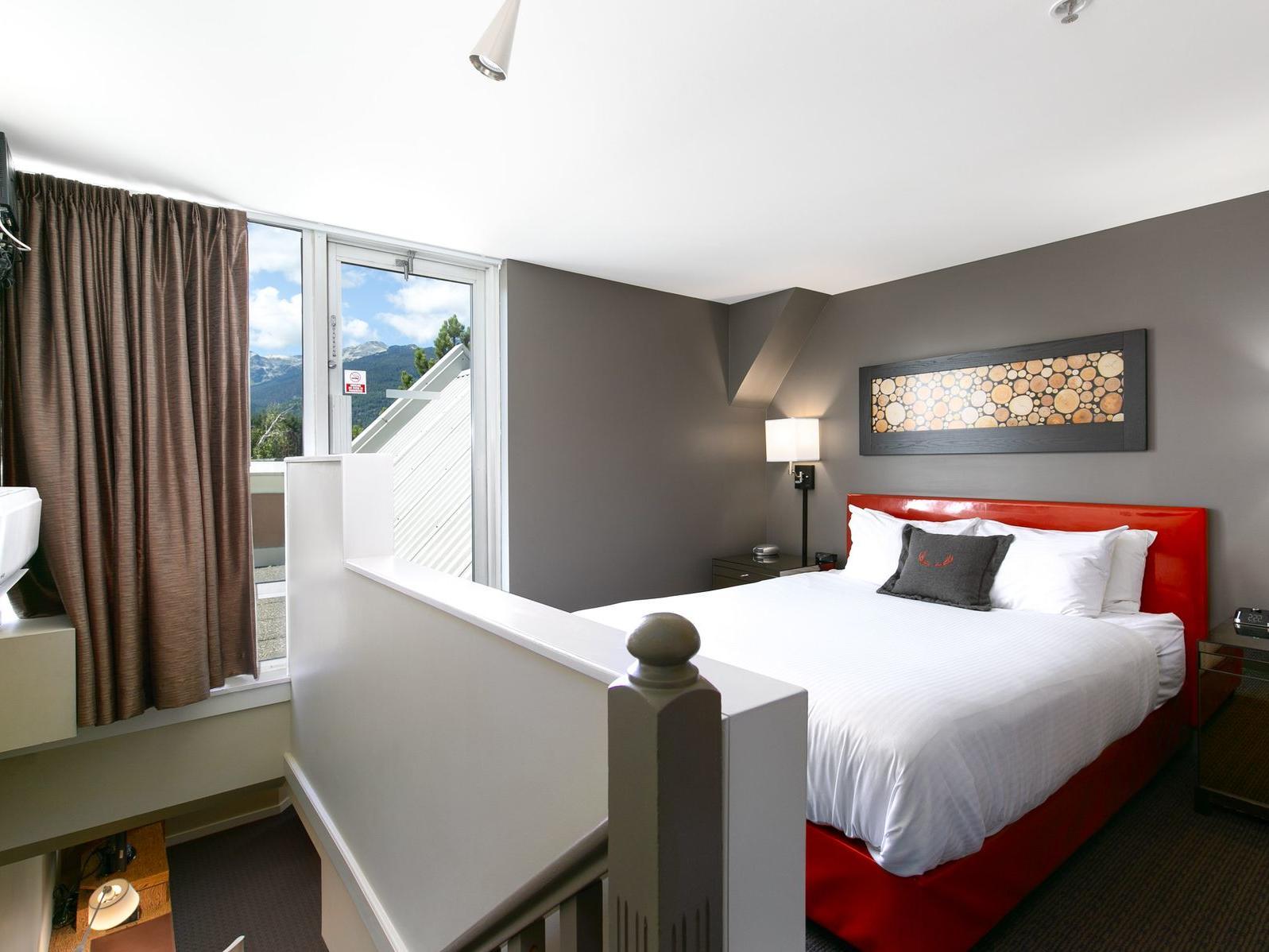 mountain view loft suite