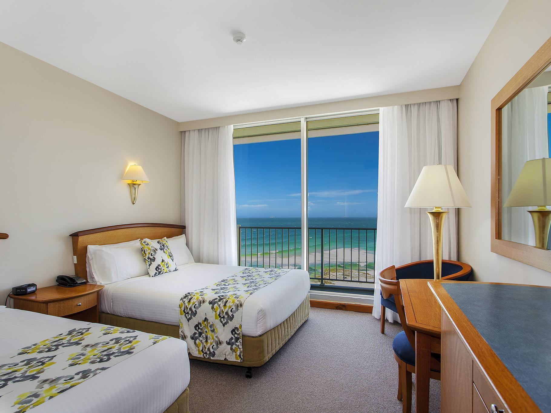 Hotel with twin beds and ocean view