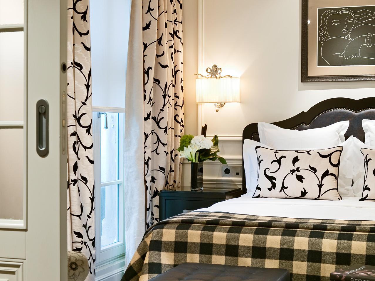Superior suite at Hotel Keppler Paris.