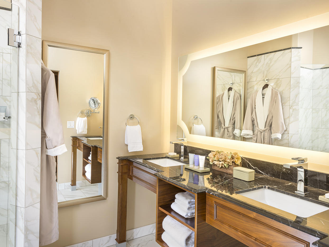 Prelude King Bathroom with shower
