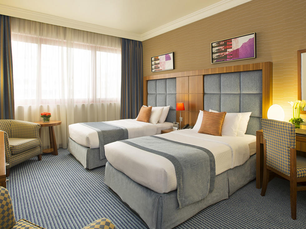 Deluxe Twin Room at City Seasons Al Hamra in Abu Dhabi