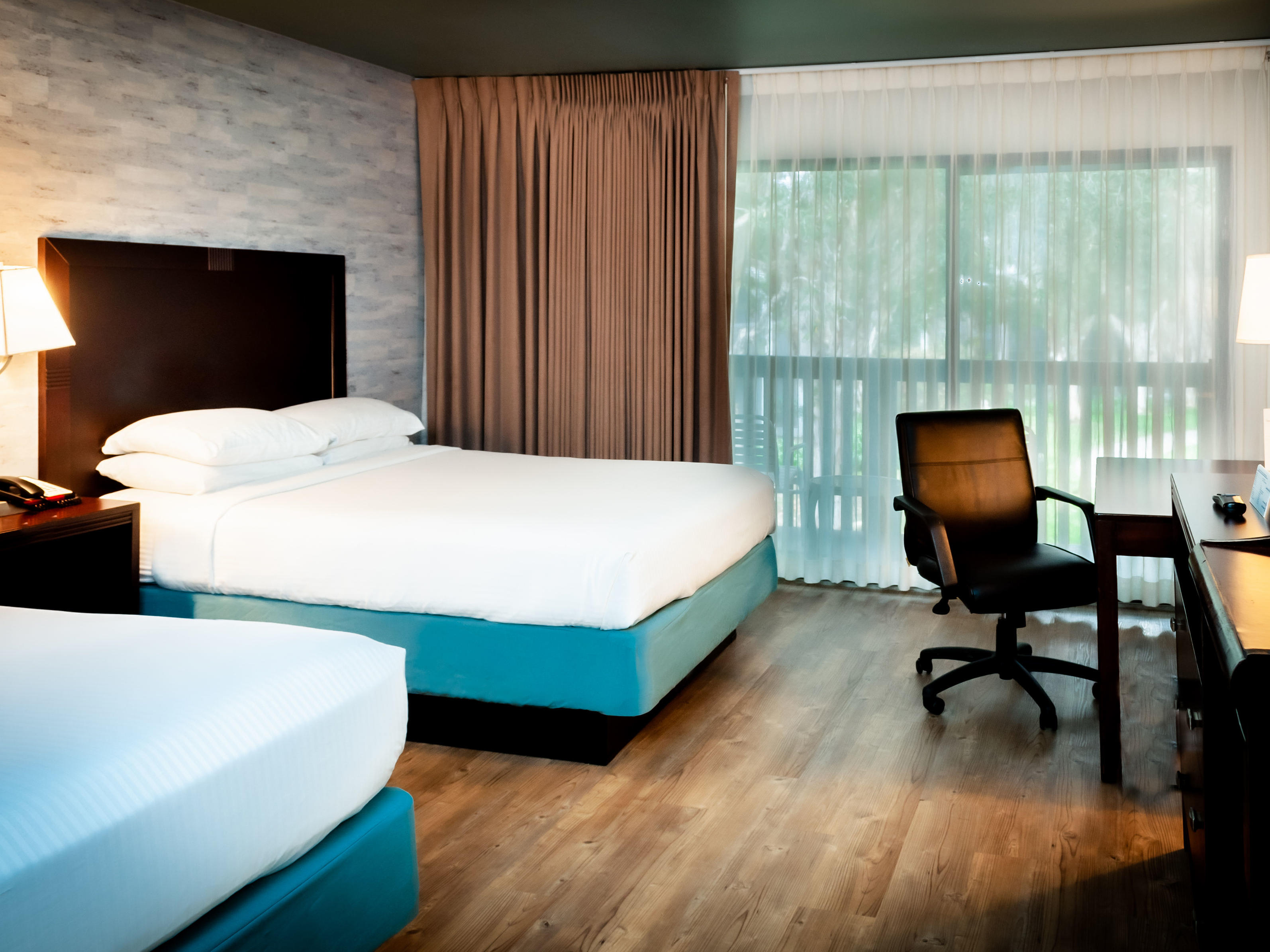two queen bed hotel guestroom in carlsbad ca