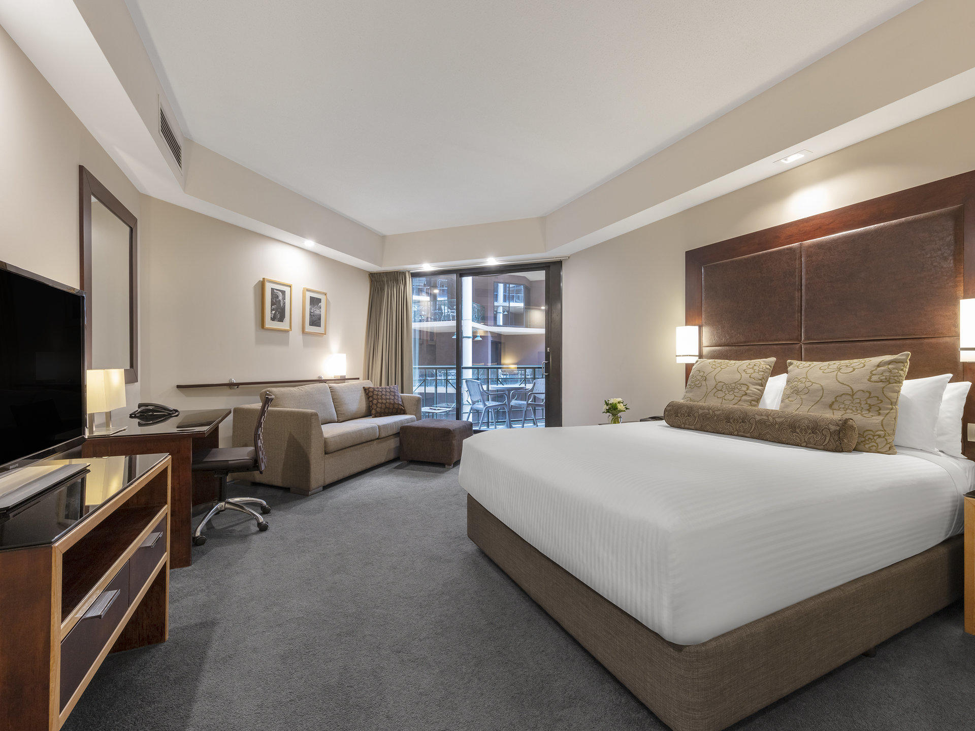 Deluxe Courtyard Queen  Twin at Amora Hotel