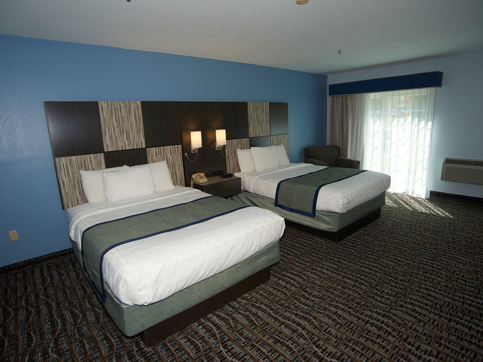 Accessible Poolside Room with 2 Queen Beds