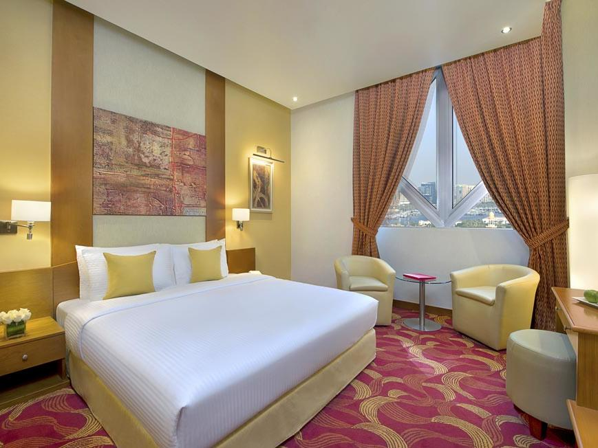 Premium Room at City Seasons Towers