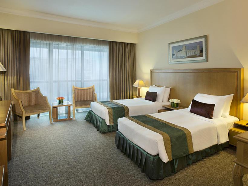 Deluxe Twin Room at City Seasons Dubai
