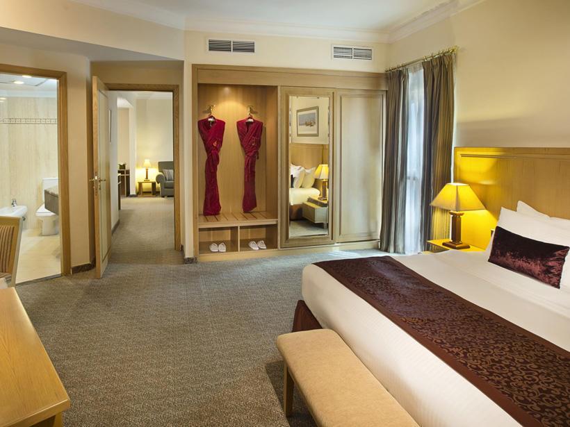 Seasons Suite at City Seasons Dubai
