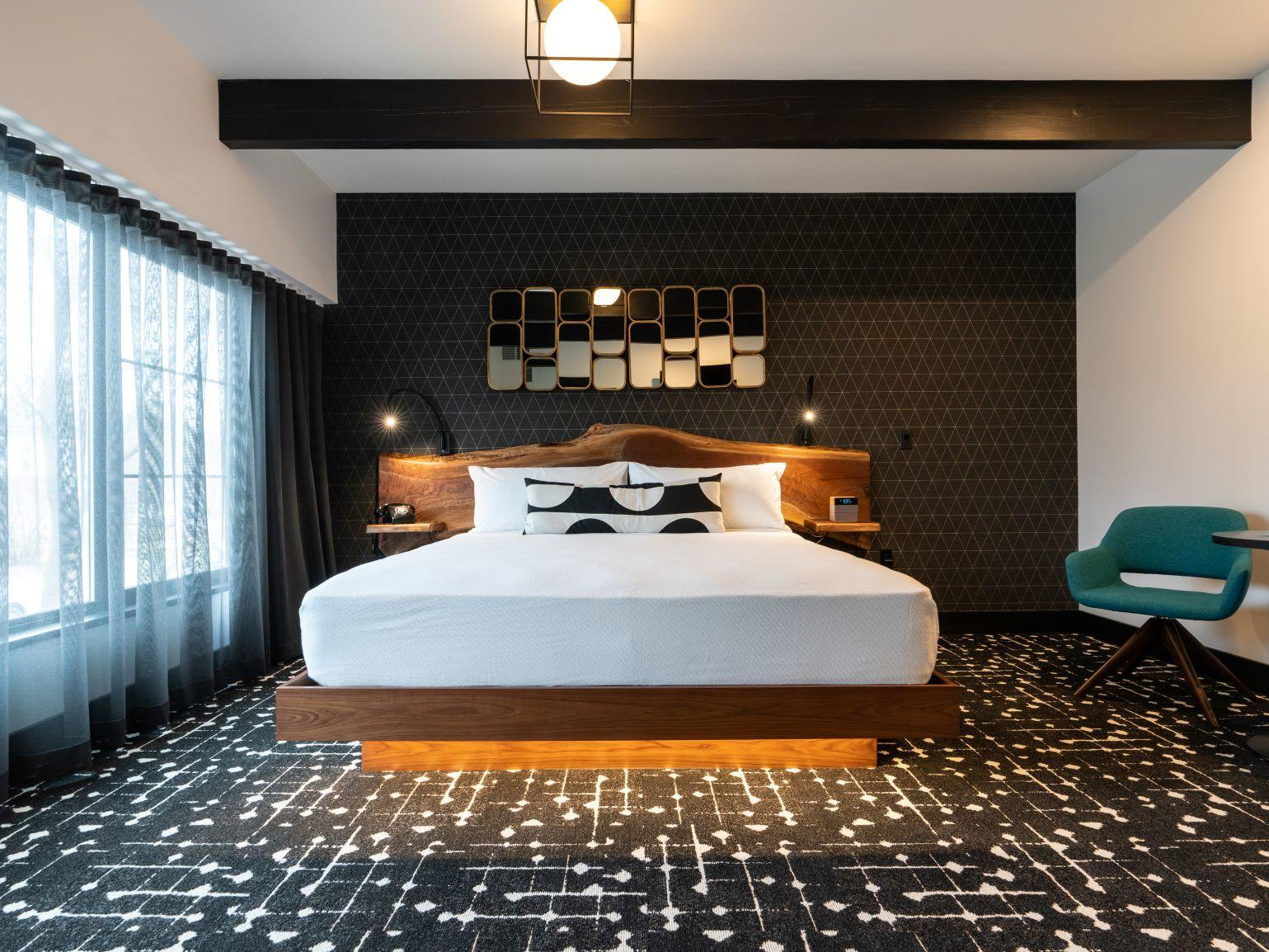 King room at Hotel Earl