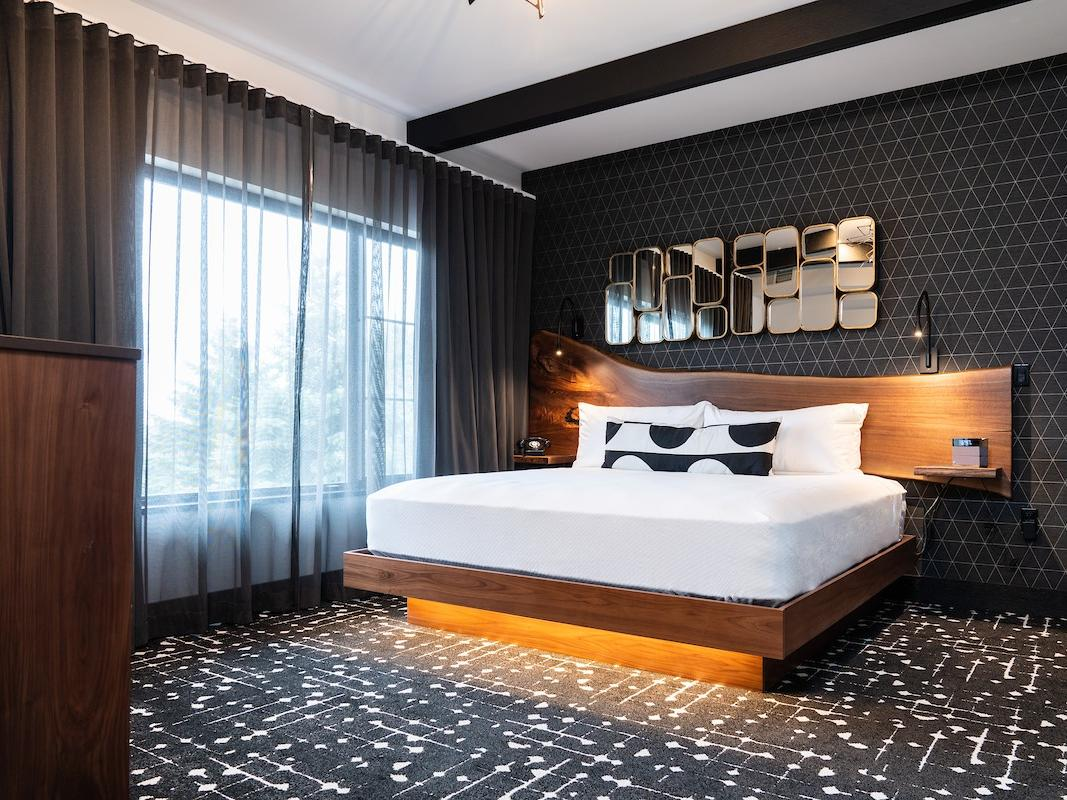 King bedroom One Bedroom Suite