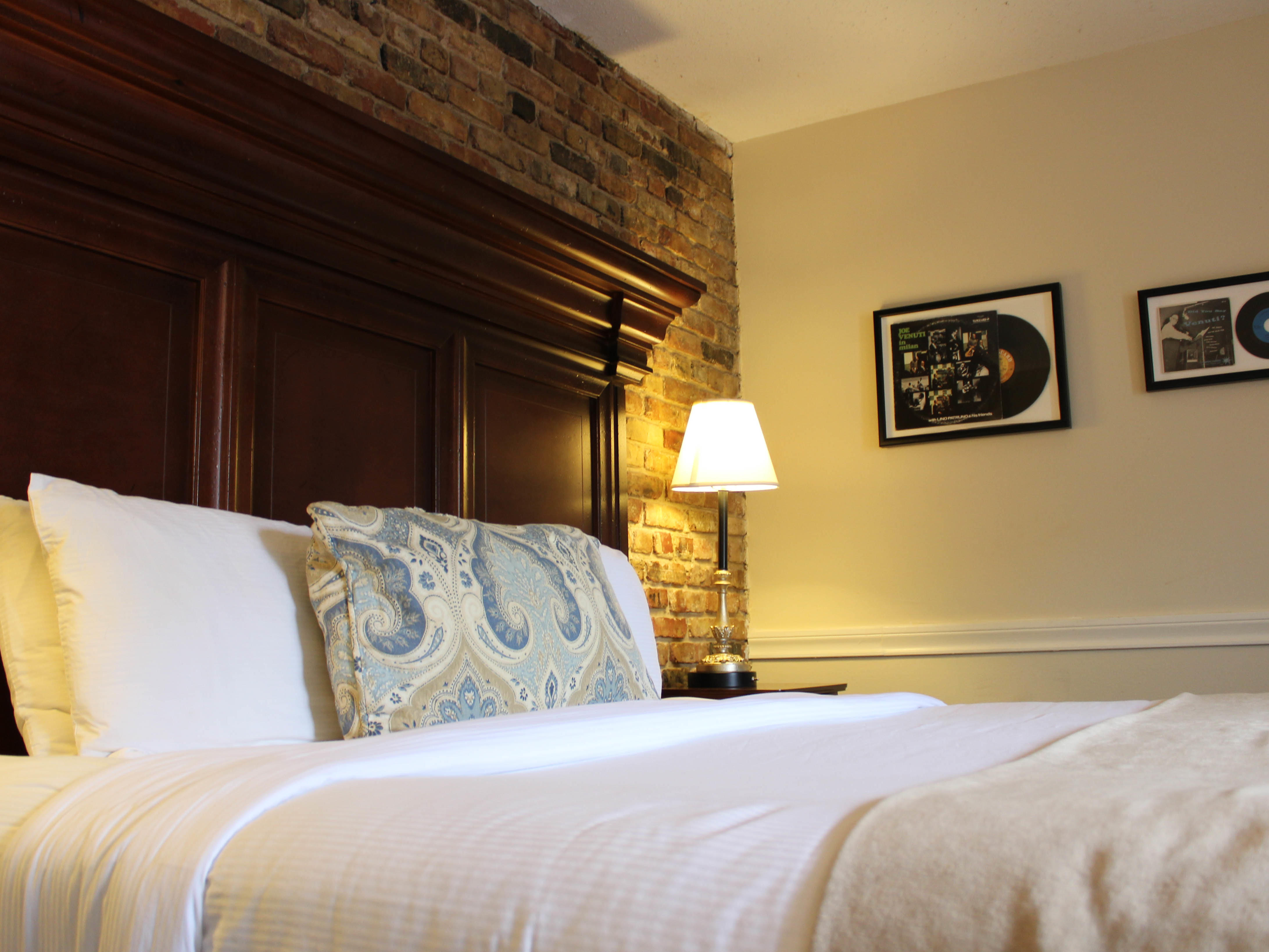 One Double Bed Room with one bed at Hotel St. Pierre