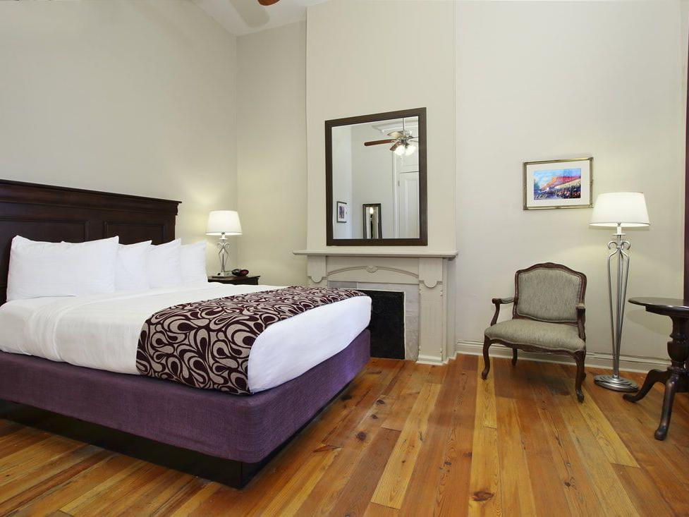 St. Ann Deluxe One King Room