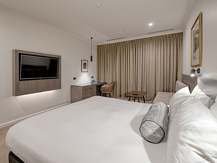 Deluxe King River View Room  in Duxton Hotel Perth