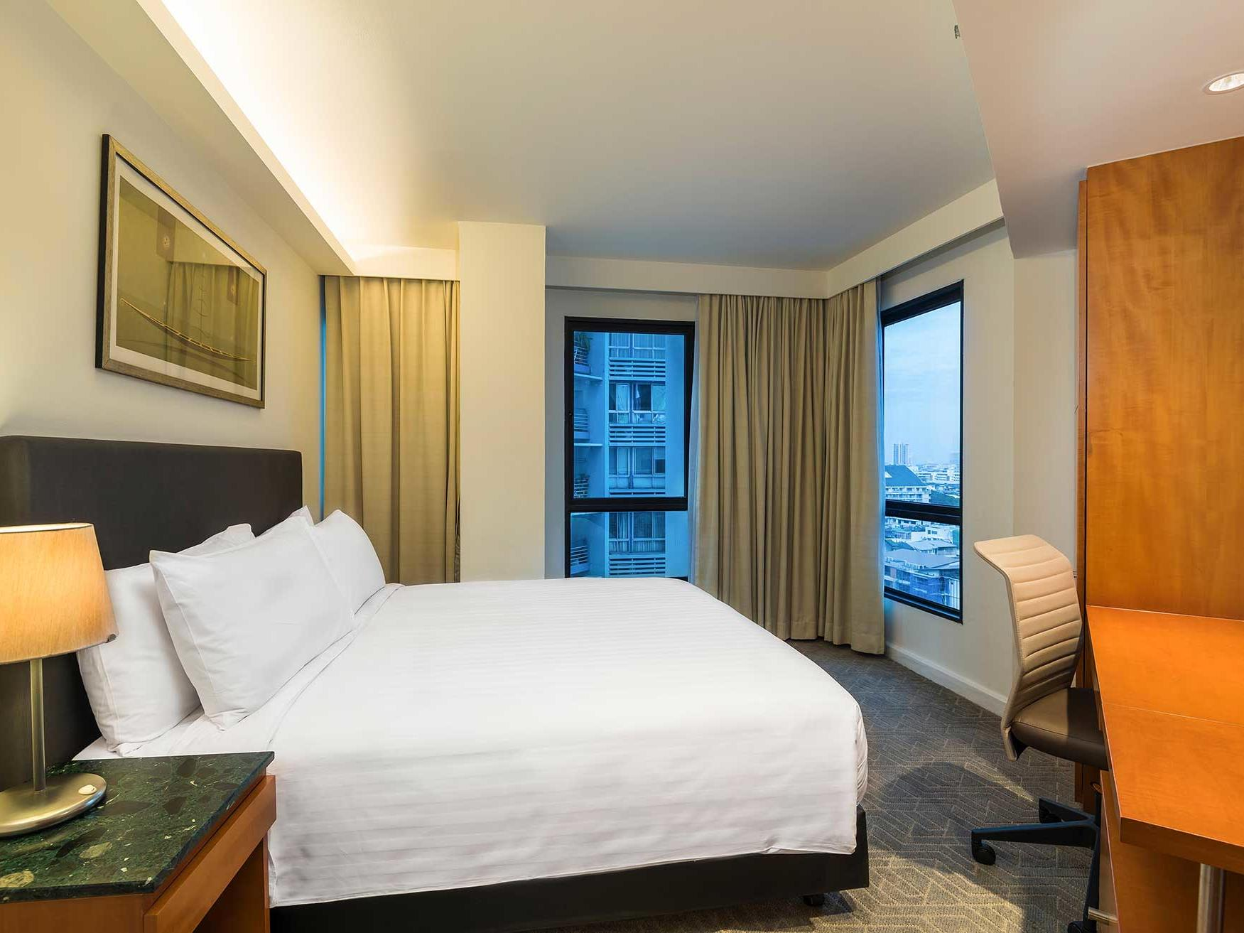 Grand deluxe three bedroom suite at Chatrium Residence Sathon