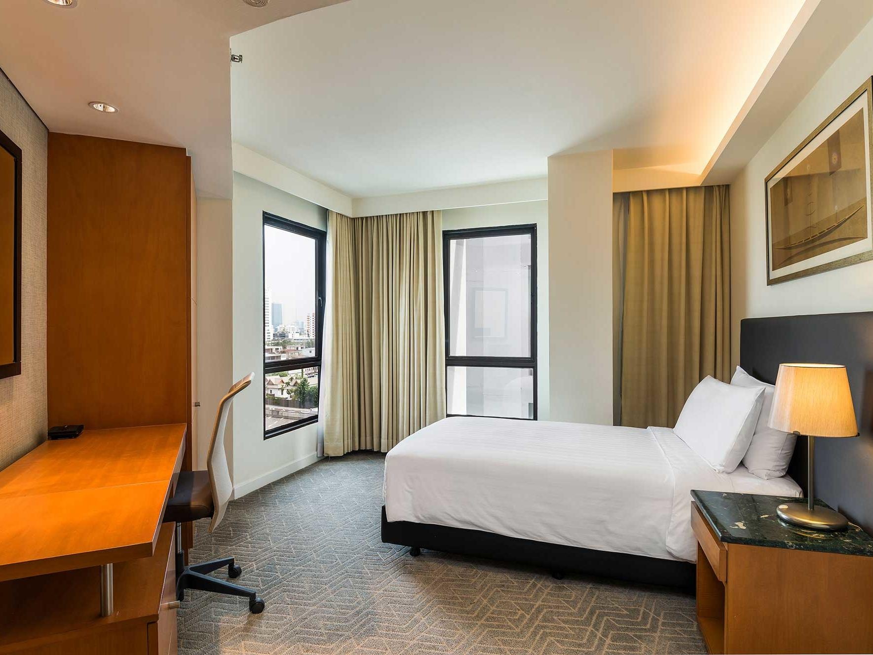 View of Deluxe three bed suite at Chatrium Residence Sathon