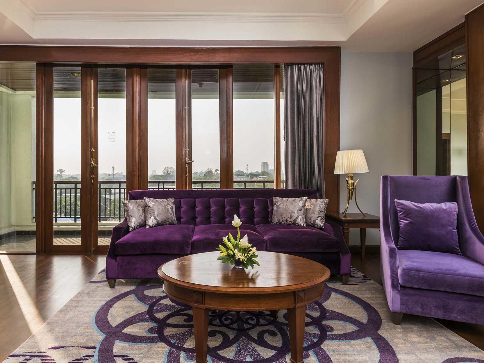 Deluxe suite at Chatrium Hotel Royal Lake Yangon