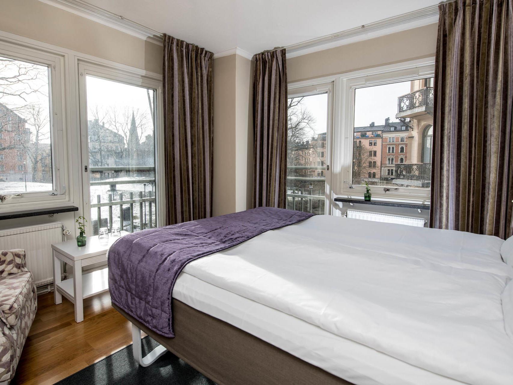 Park View Corner Room at Hotel Tegnérlunden in Stockholm