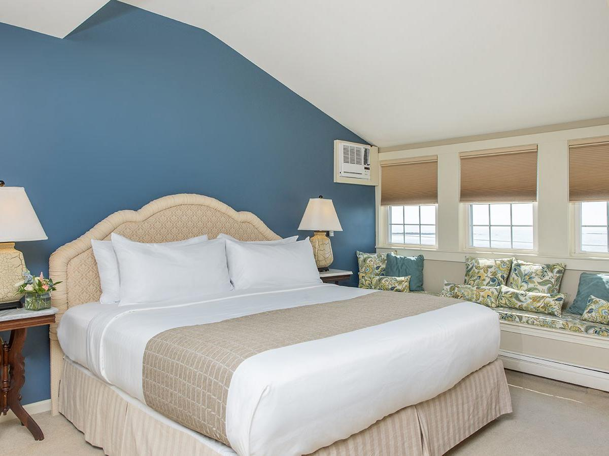 Oceanview Atlantic King Room Interior