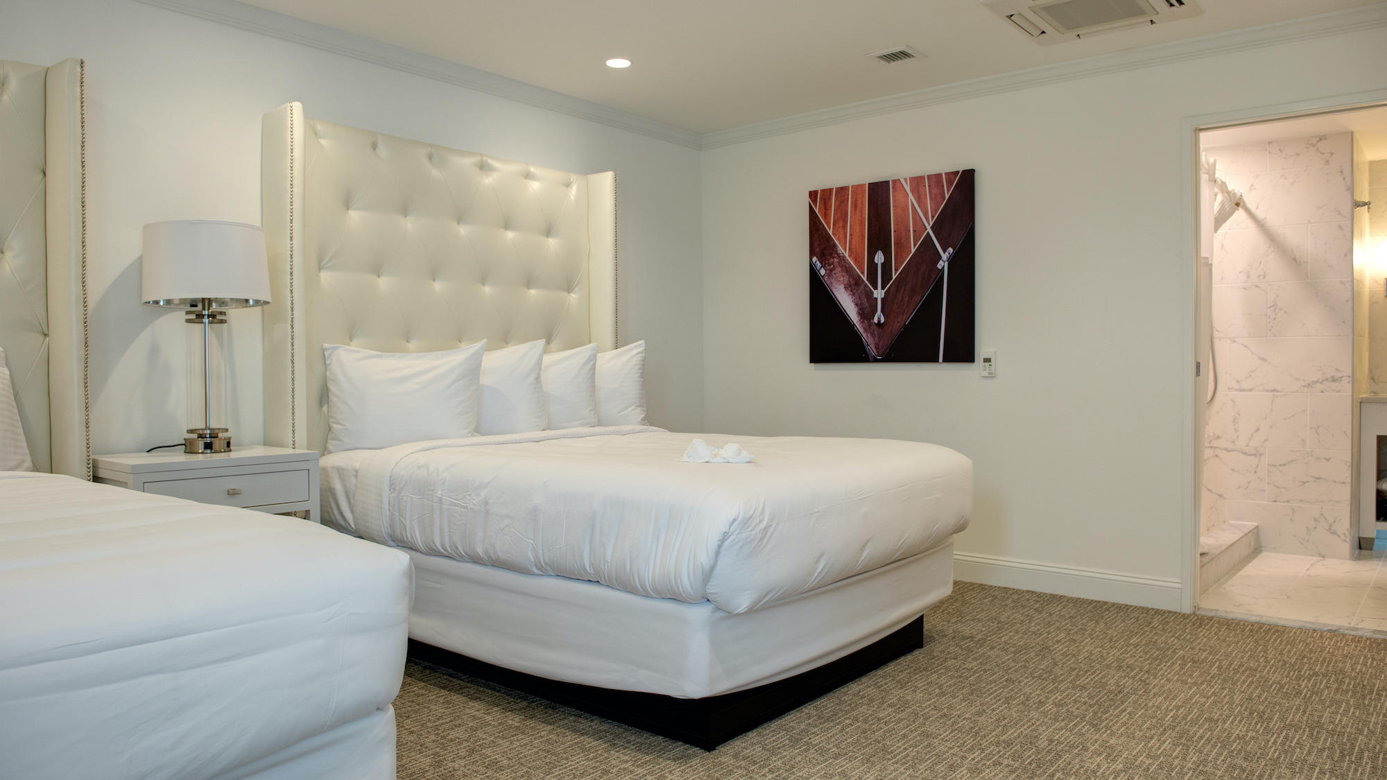 Picture of: Standard Queen Suite Icona Avalon Resort