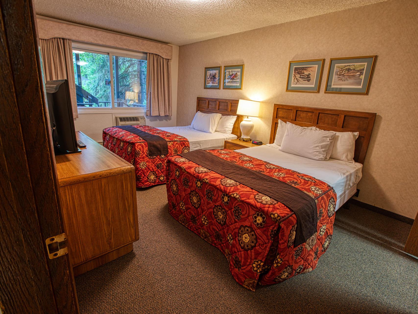 View of the deluxe one bedroom suite at Wedgewood Resort