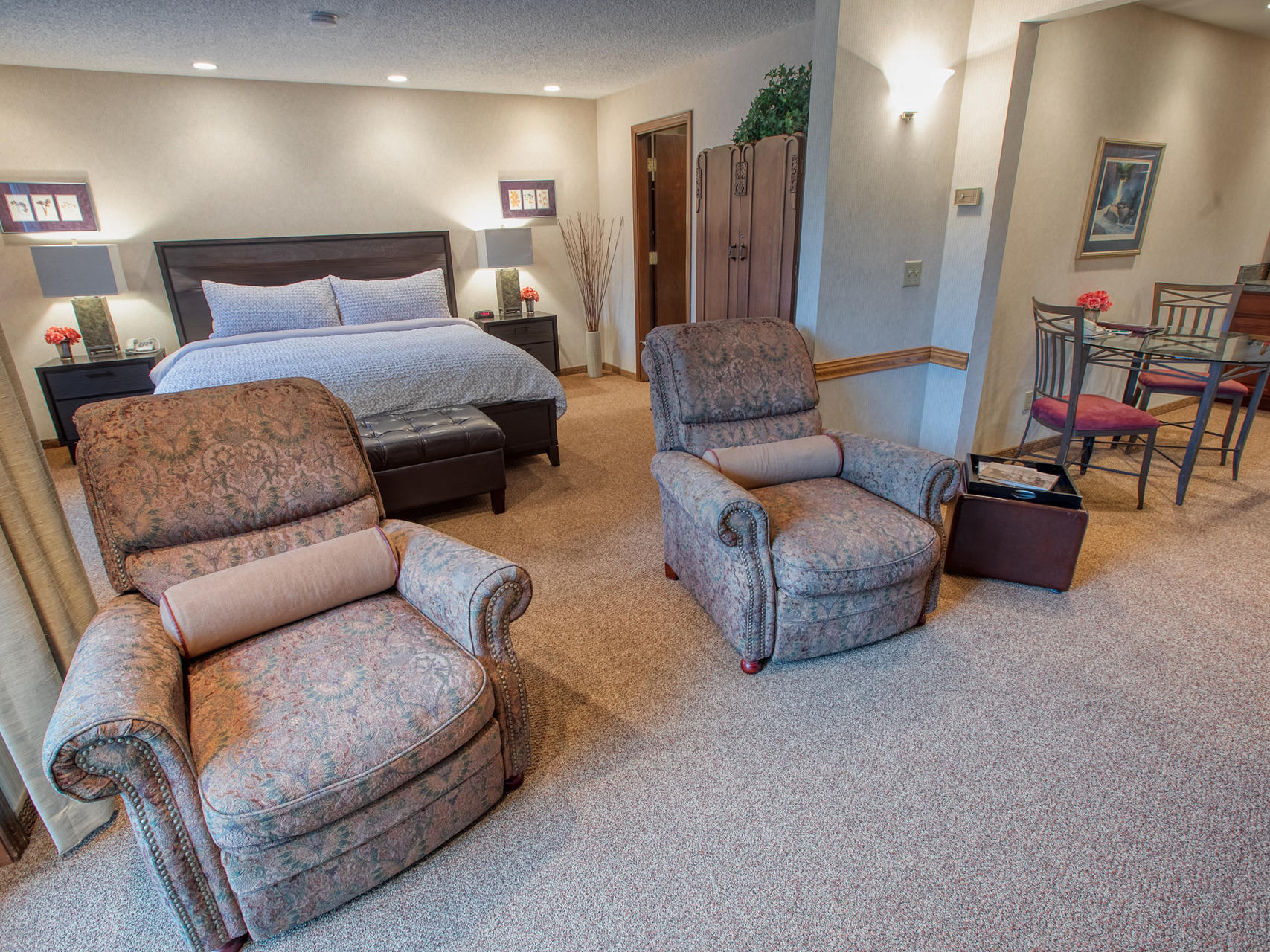 View of Jacuzzi Suite at Sophie Station Suites