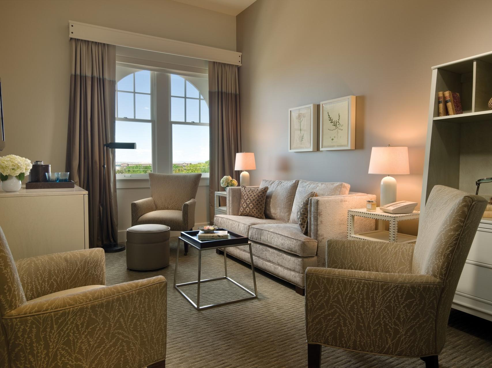 Lounge area and furniture in hotel room