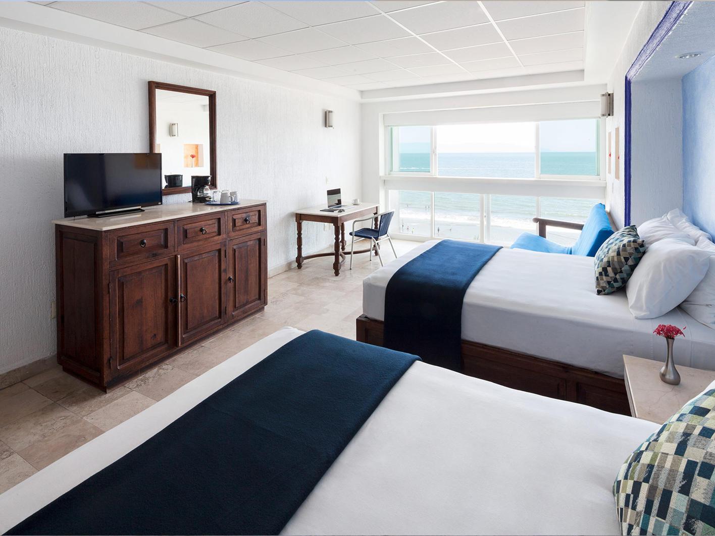 Superior Jr Room at Hotel Villa Varadero