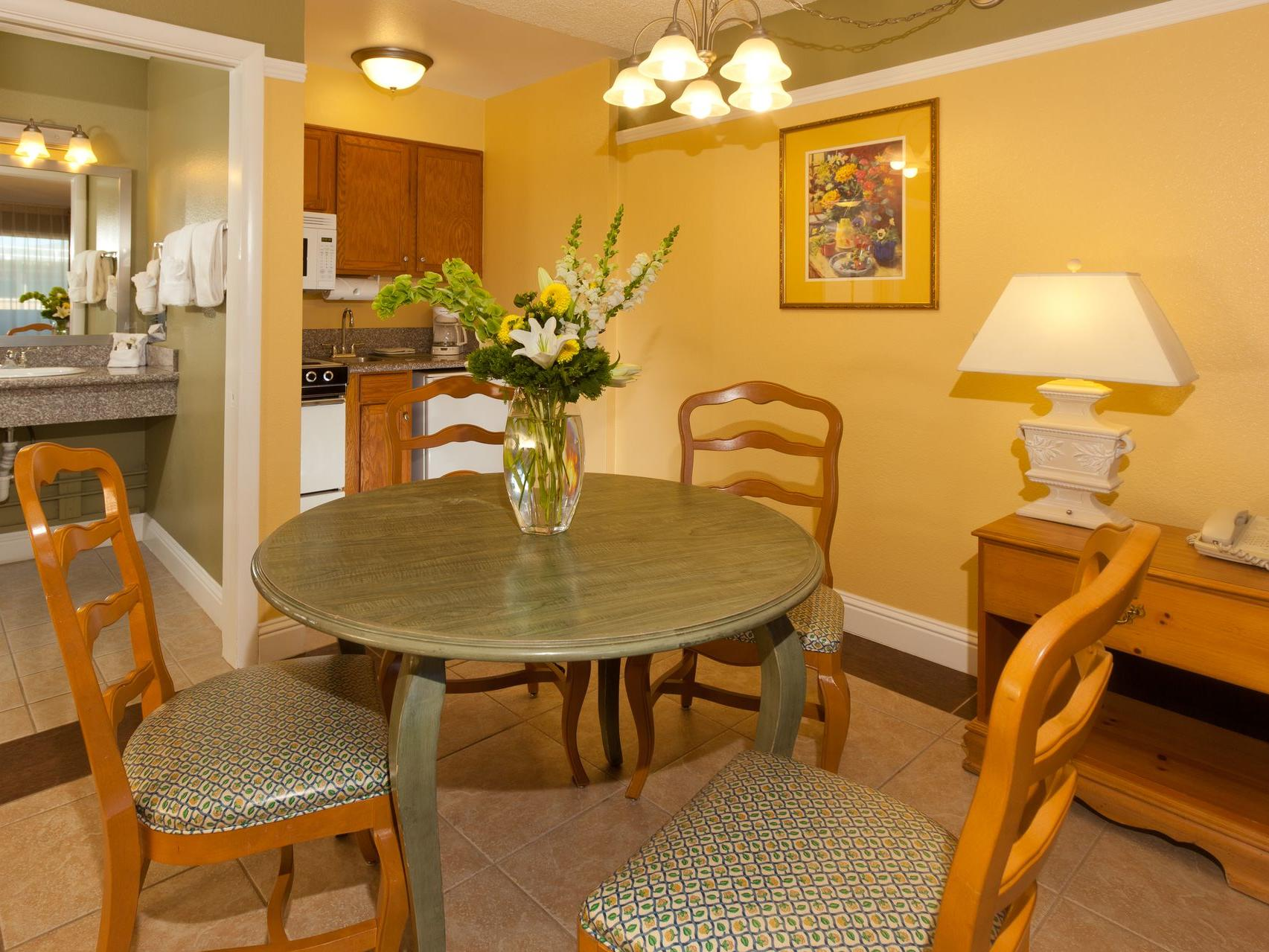 Dining Area -  Legacy Vacation Resorts