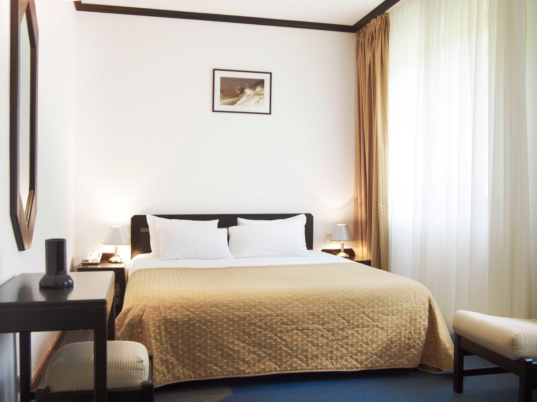 Queen Room at Ana Hotels Poiana in Poiana Brașov
