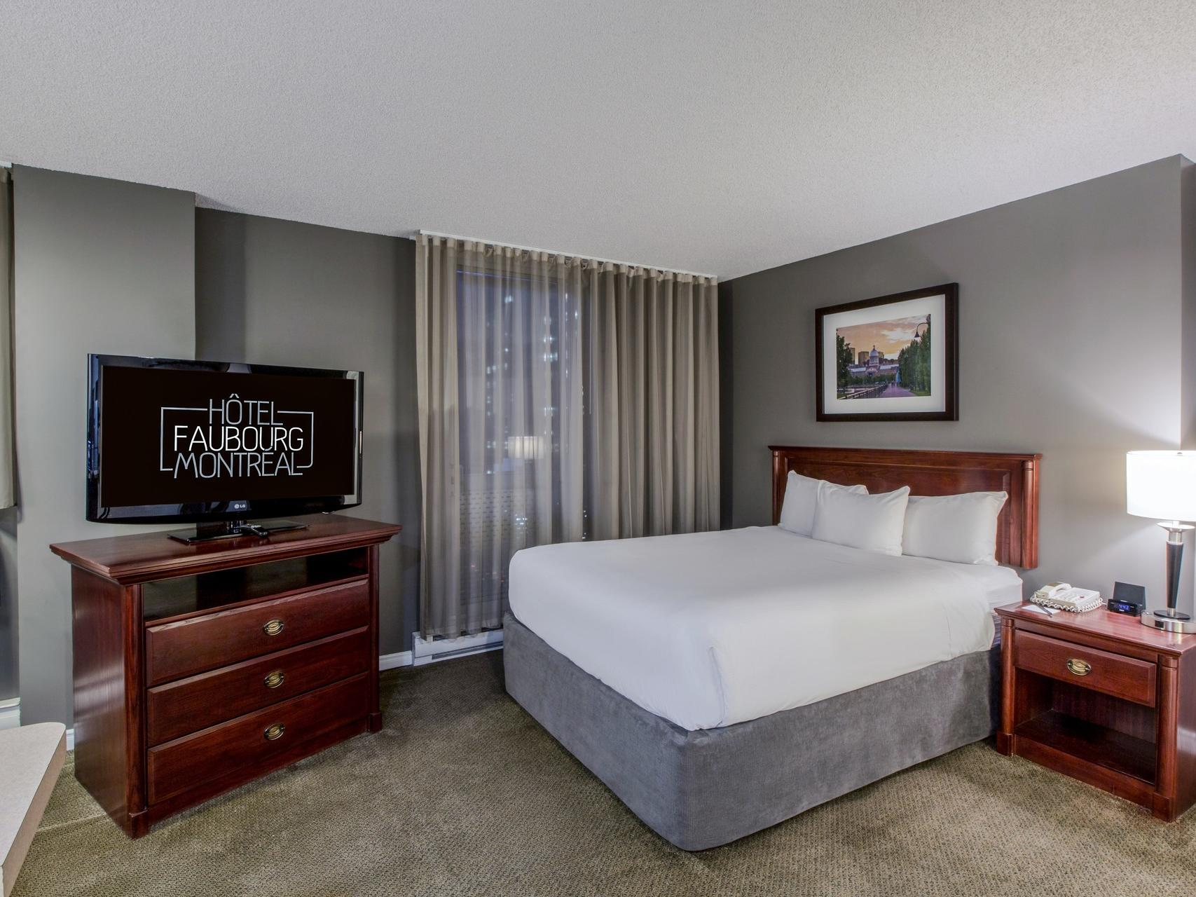 Studio One Queen Bed at Hotel Faubourg Montreal