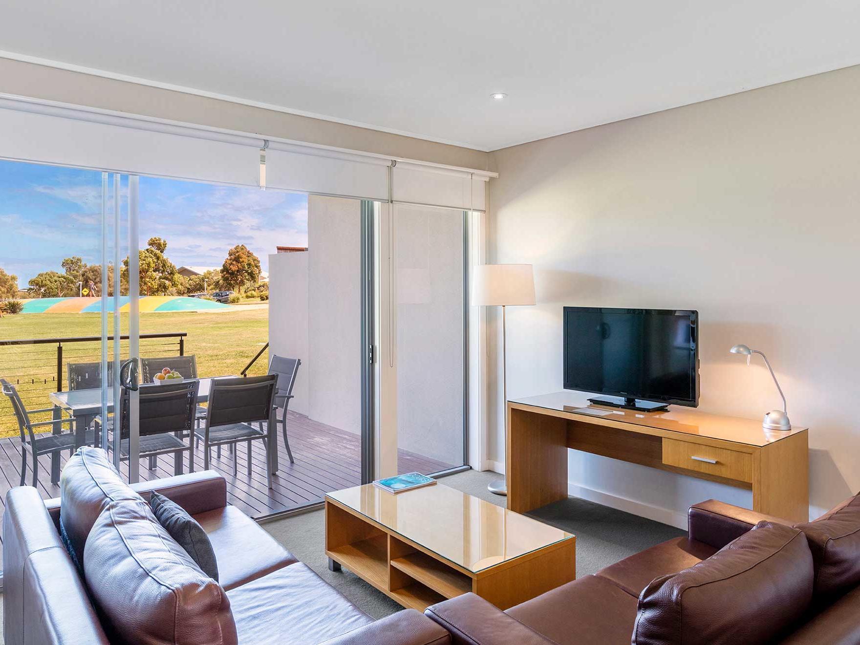 Living room in 2 Bedroom Apartments at Silverwater Resort