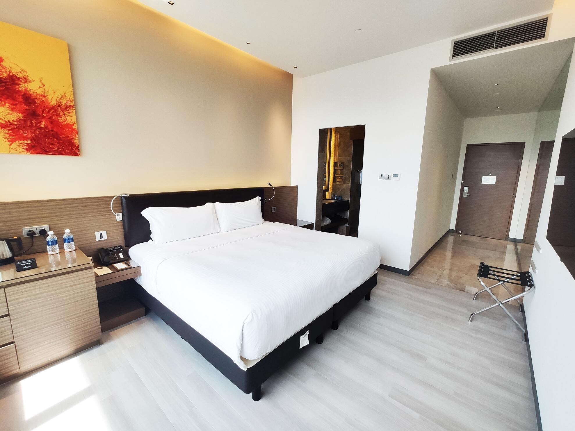 Interior of Skyline suite at one farrer hotel