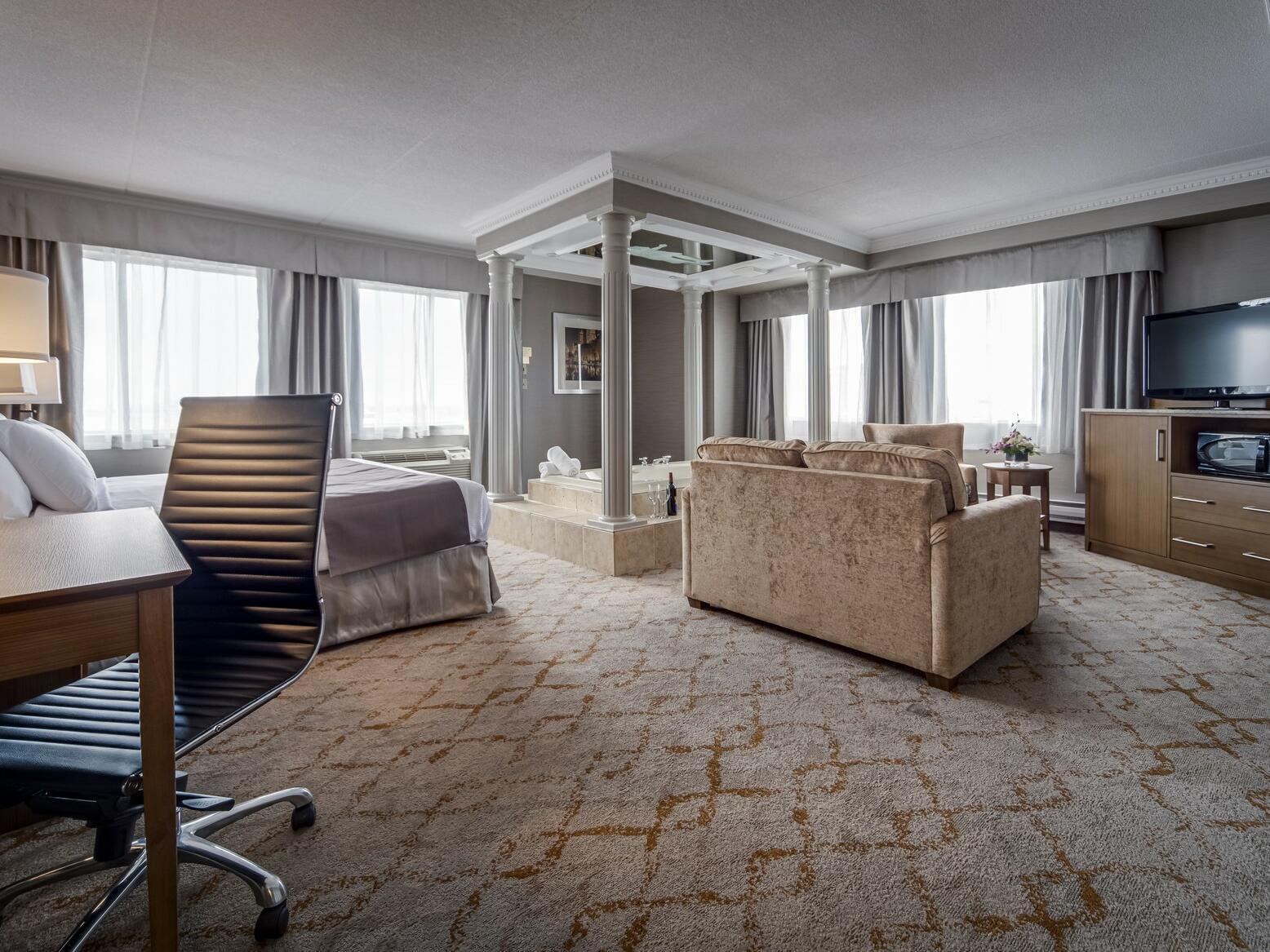 Deluxe King Jacuzzi Suite at Monte Carlo Inn Vaughan Suites