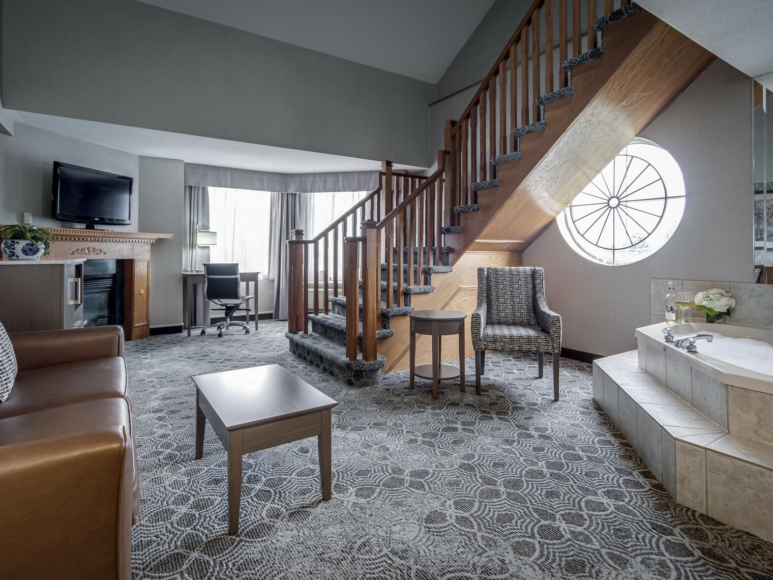 Living Area - Monte Carlo Inn Toronto Markham