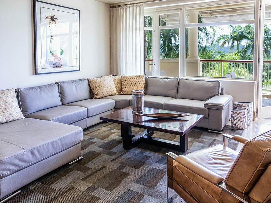 Deluxe Living Room - Plantation Resort Residences