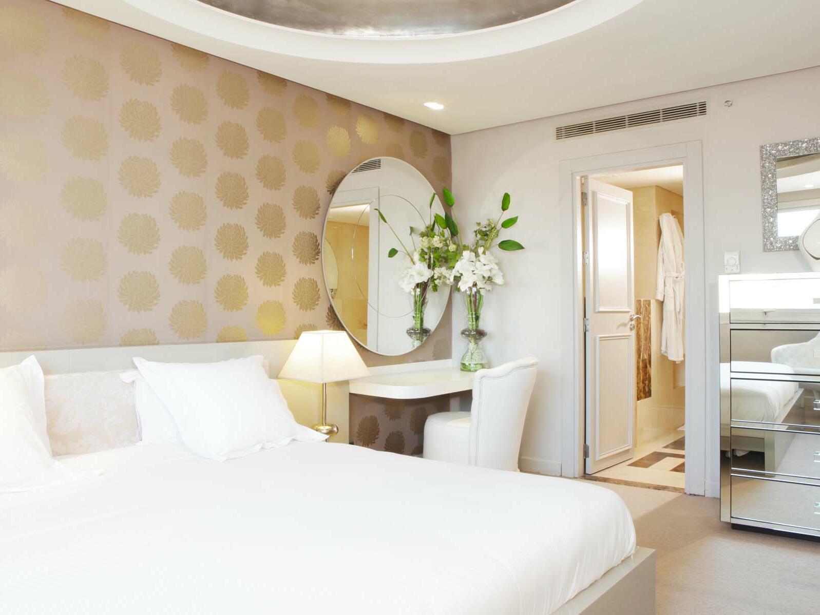 White theme Bedroom  - Farah Casablanca Hotel