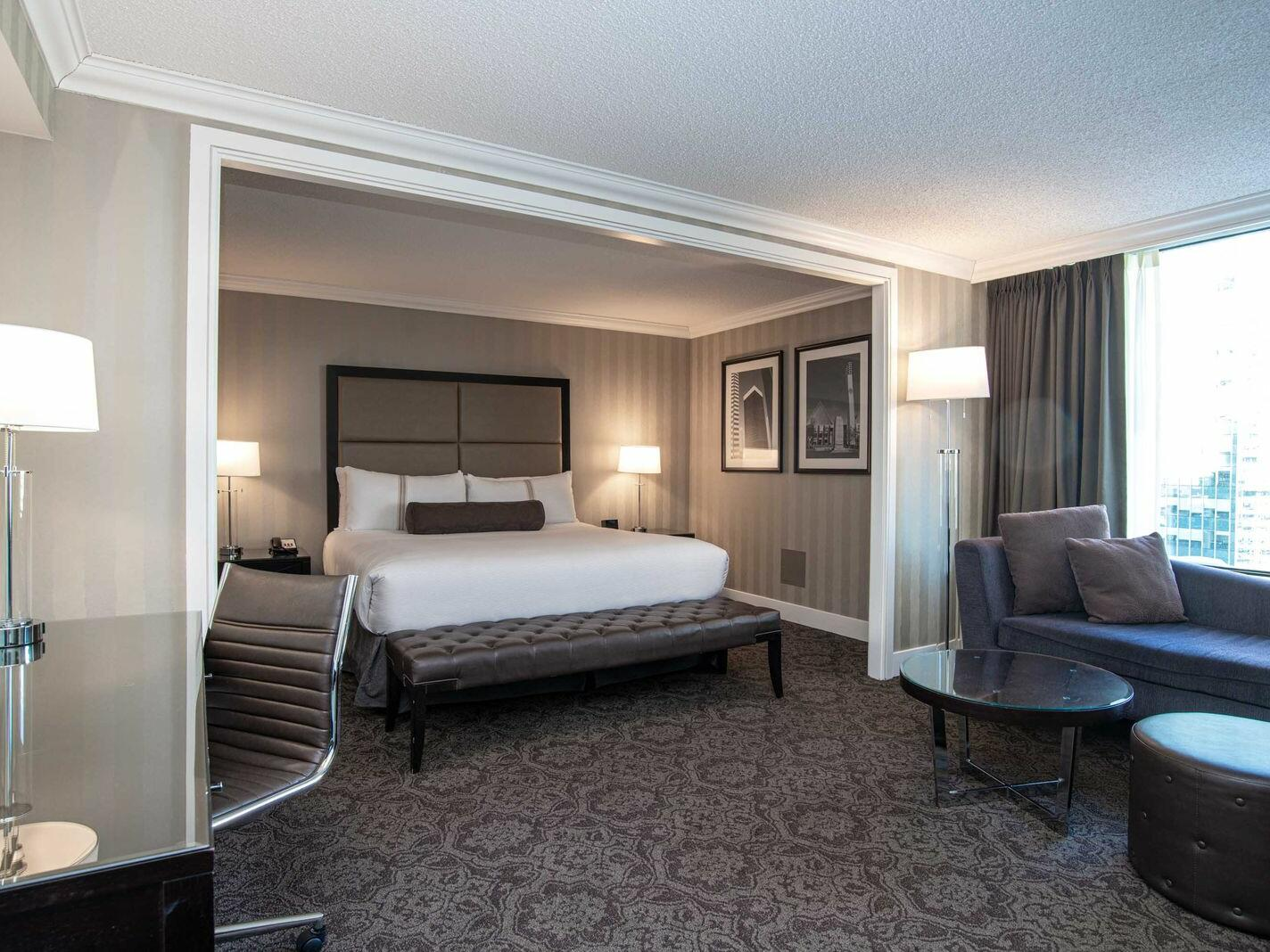 Premium Executive Room - 1 King Bed The Sutton Place Hotel Edmonton