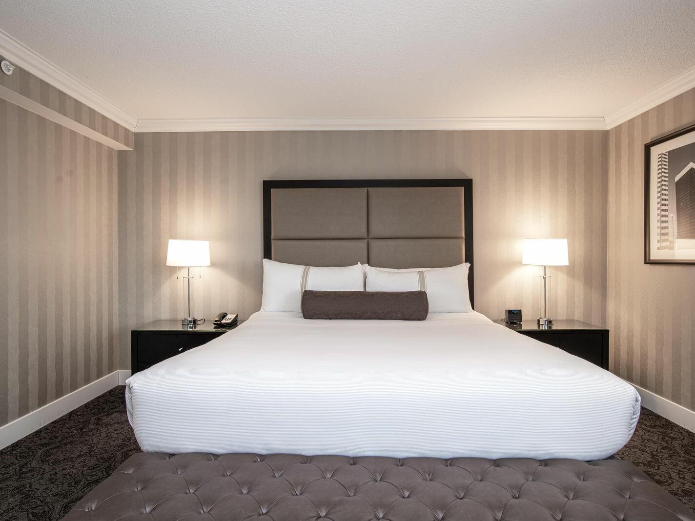 Deluxe Executive Room – 1 King Bed The Sutton Place Hotel Edmonton