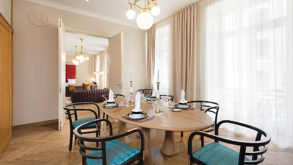 Grand Union Suite Dinning Room