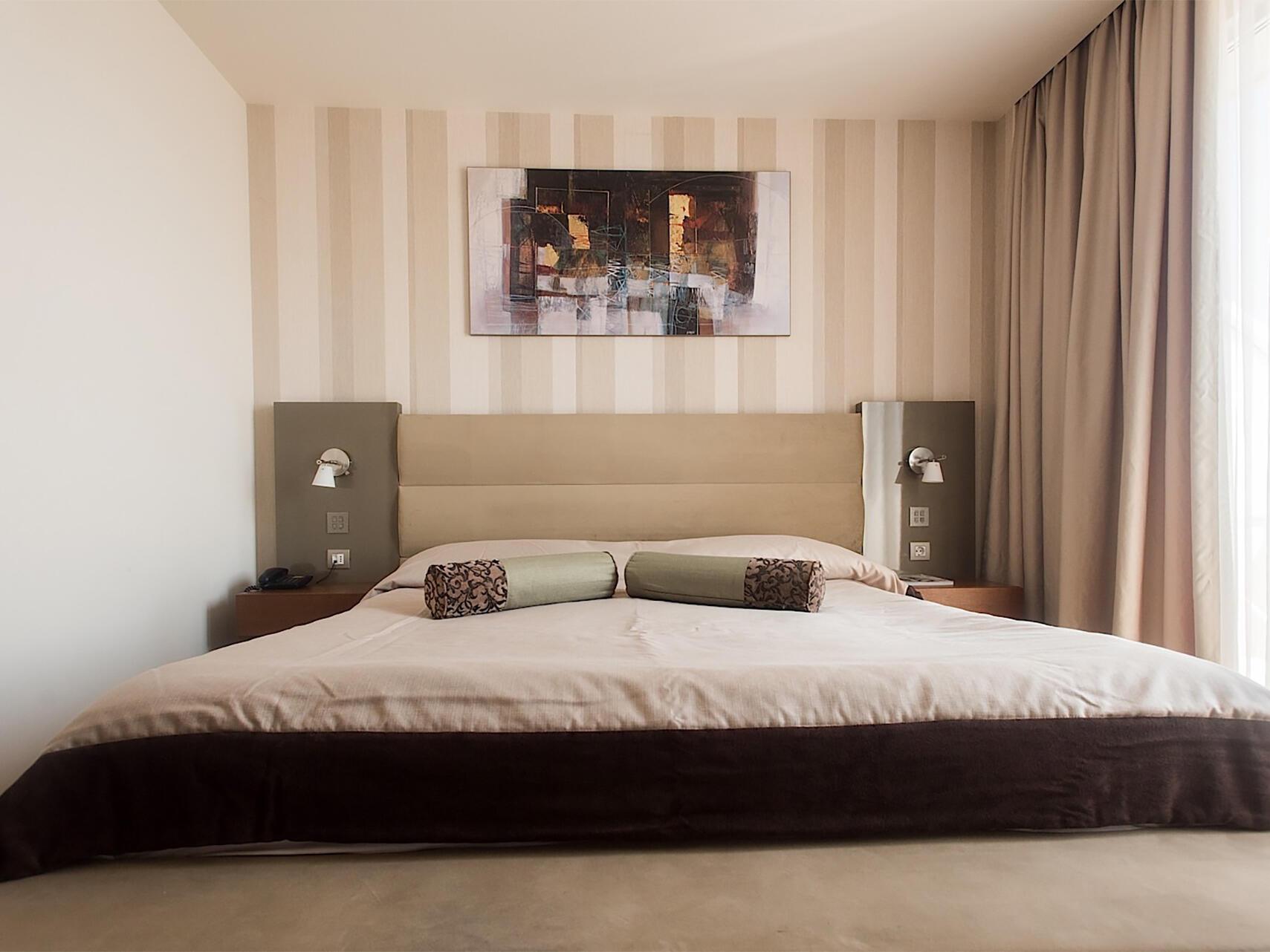 Superior Suite at IAKI Conference & Spa Hotel in Mamaia