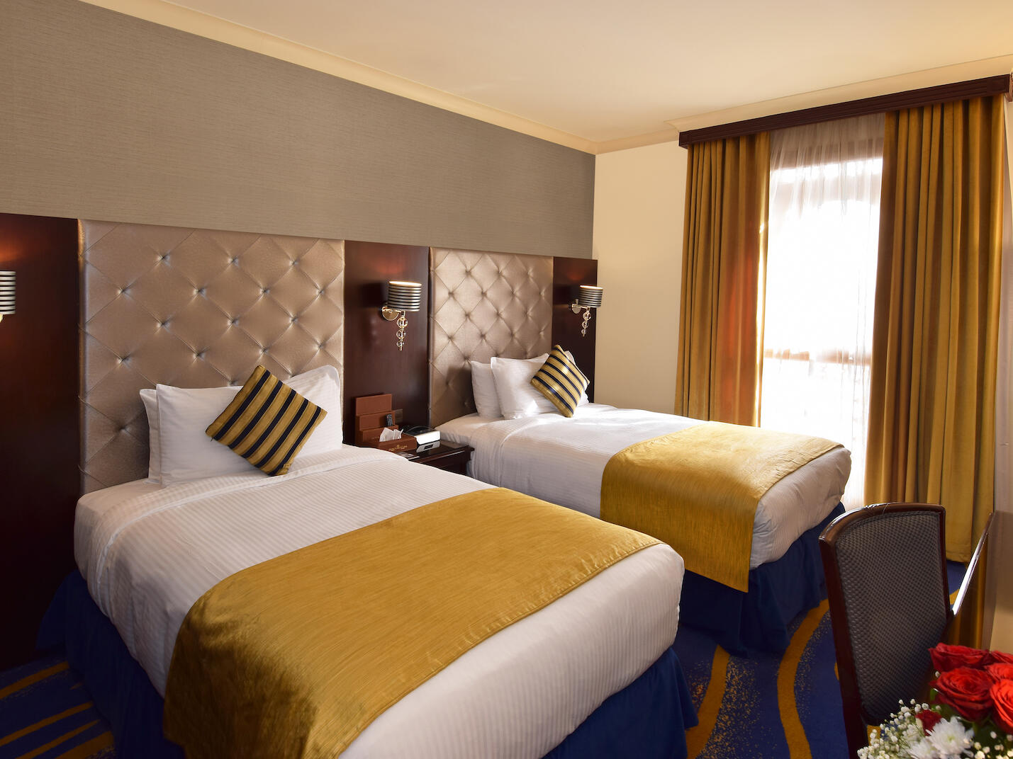 Deluxe Twin Bed Room City View