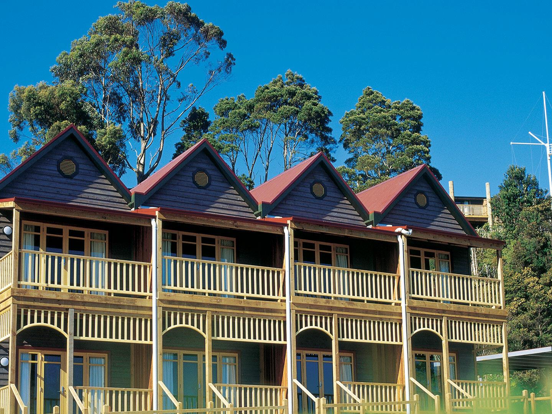 Exterior view of Waterfront Executive Spa at Strahan Village