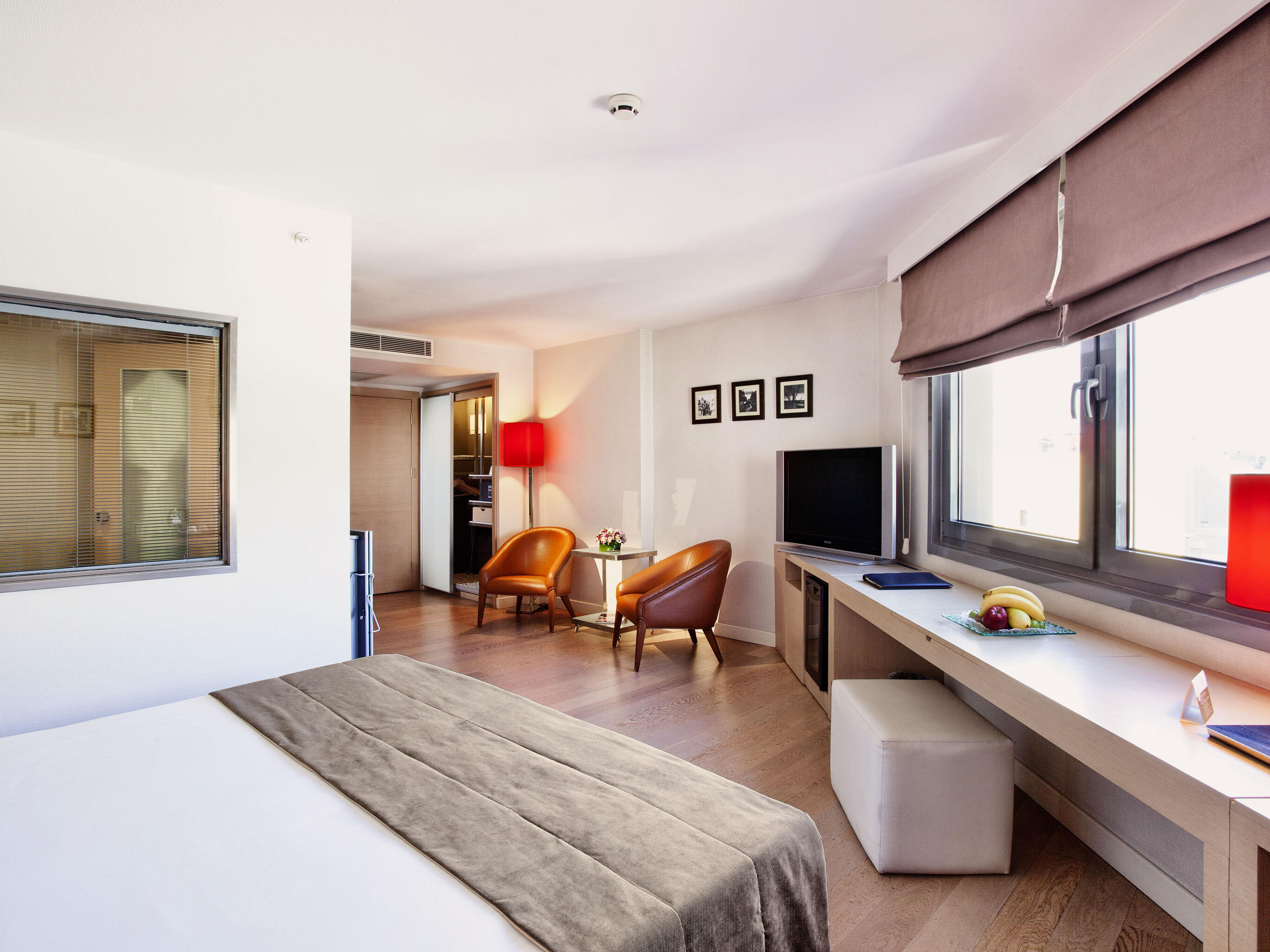 Singlr bed room at Eresin taxim premier.