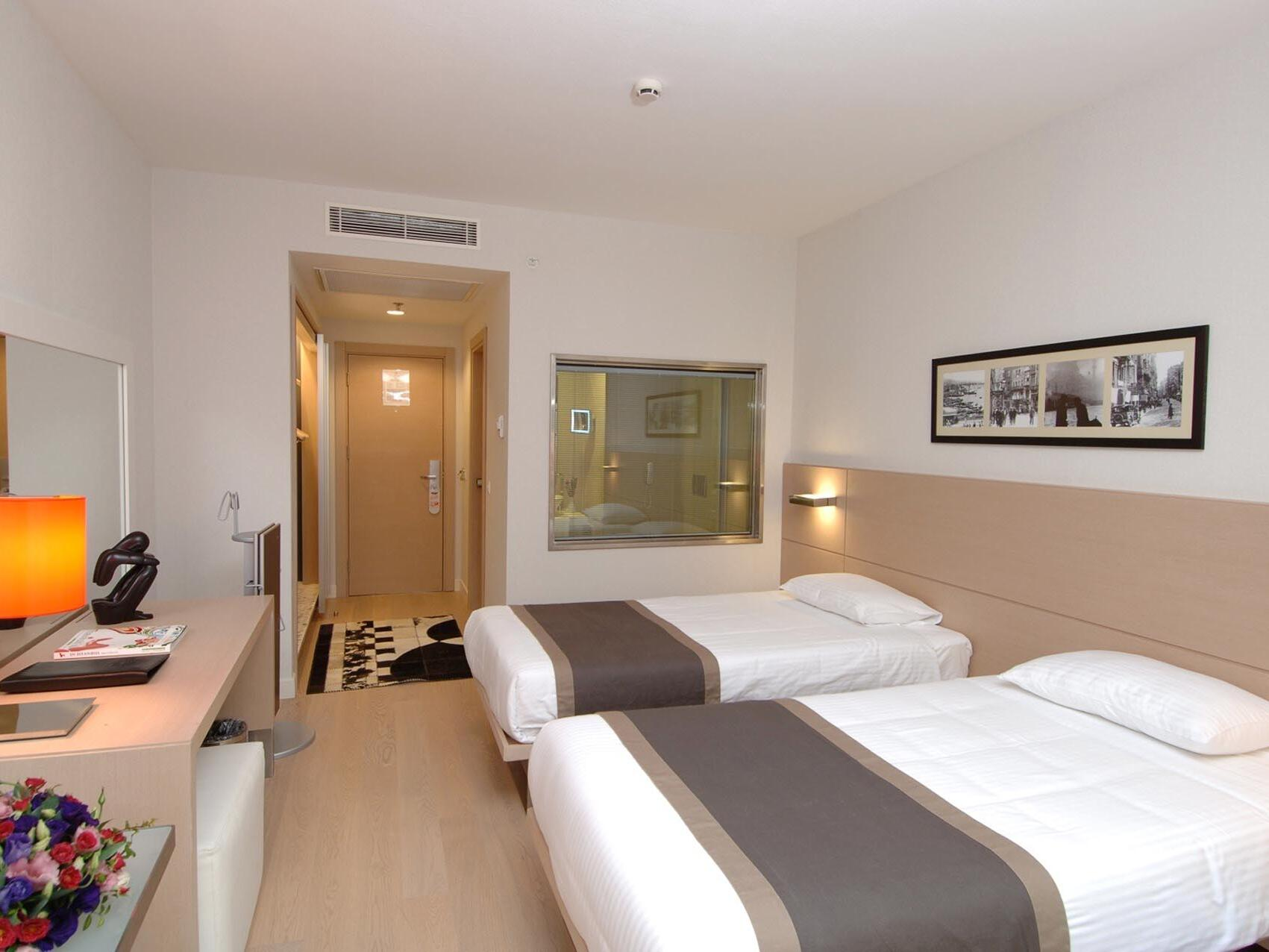 Double  Bed room  at Eresin taxim premier.